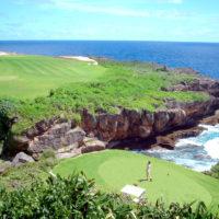 海を間近に感じ、波音をBGMにゴルフを楽しめる、サイパン島北東部のキングフィッシャー・ゴルフリンクス