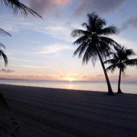サーフクラブ サイパン 目の前のビーチから見る夕日は格別