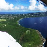 上空から見たテニアン島。緑が島を覆っている。