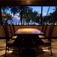 ソルティーズグリル&バーでは海を眺めながらの食事も可能