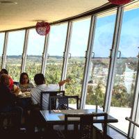 1時間で360度お店が回転するレストラン。360Revolving Restaurant
